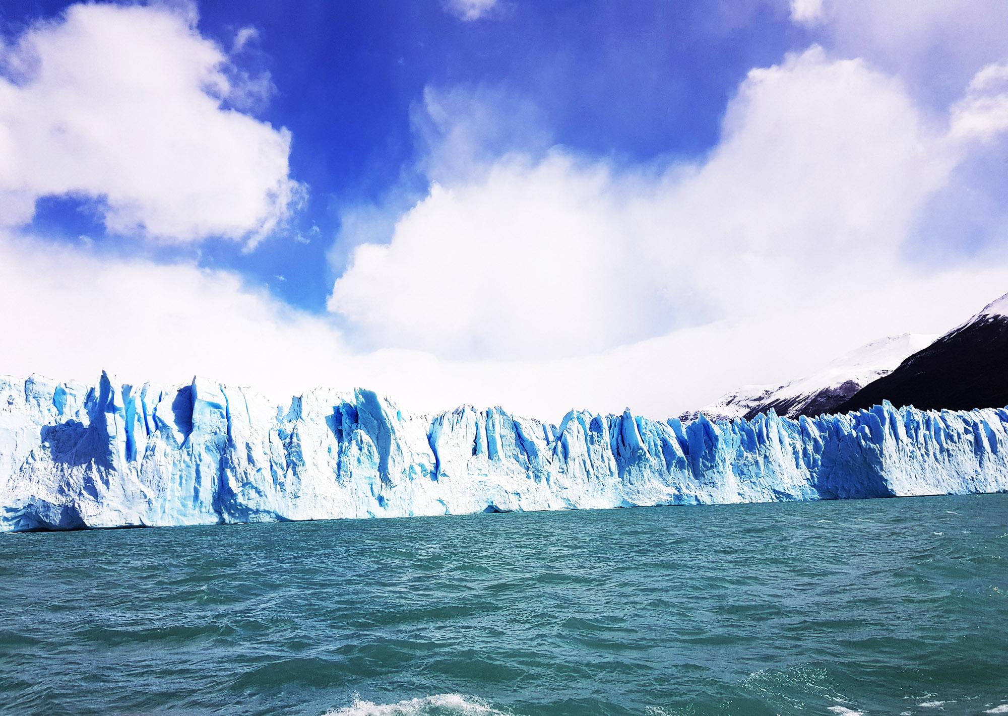 Mit dem Boot möglichst nahe zum Gletscher