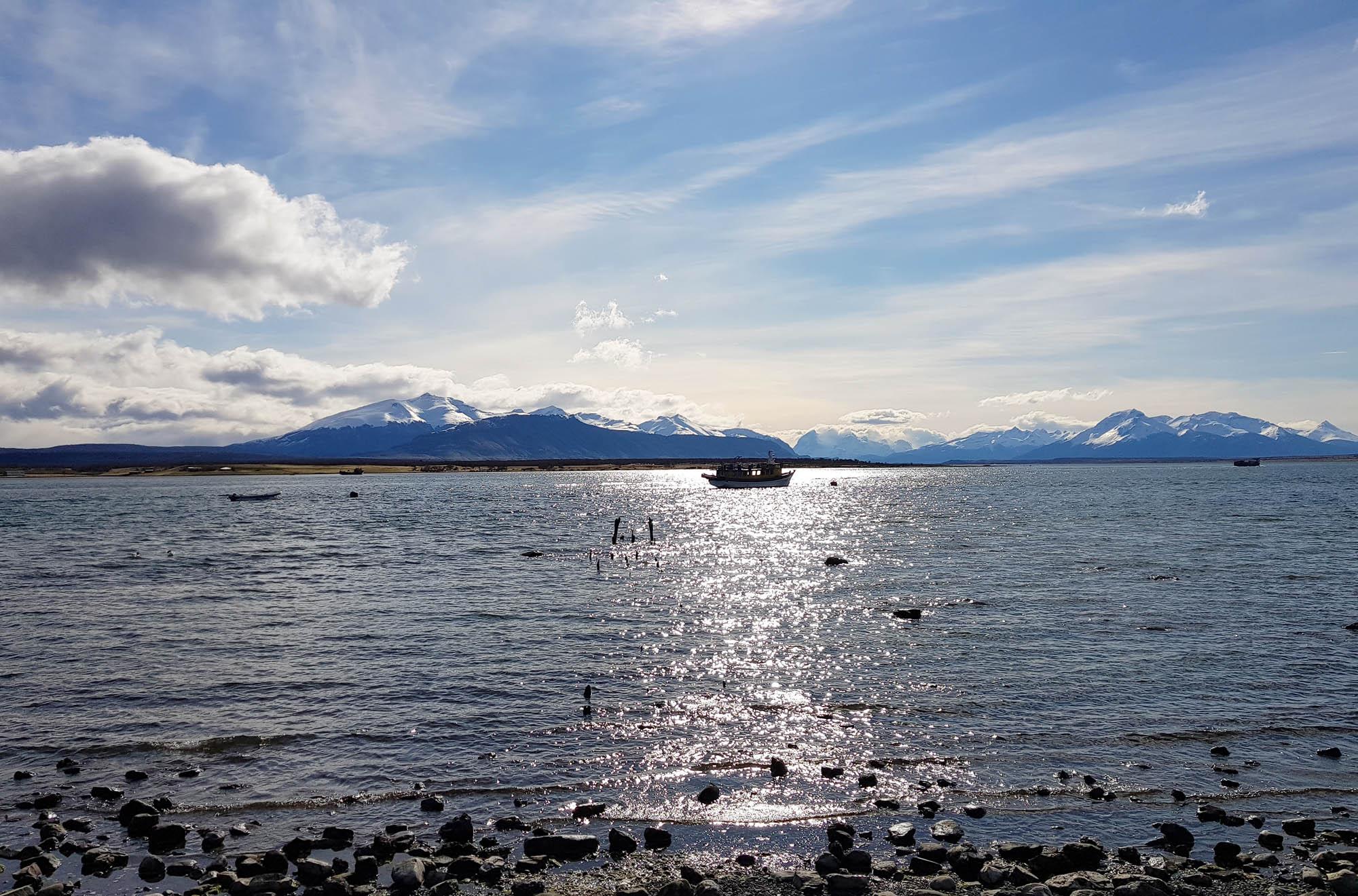 Traumlandschaft unmittelbar vor dem Hotel in Puerto Natales