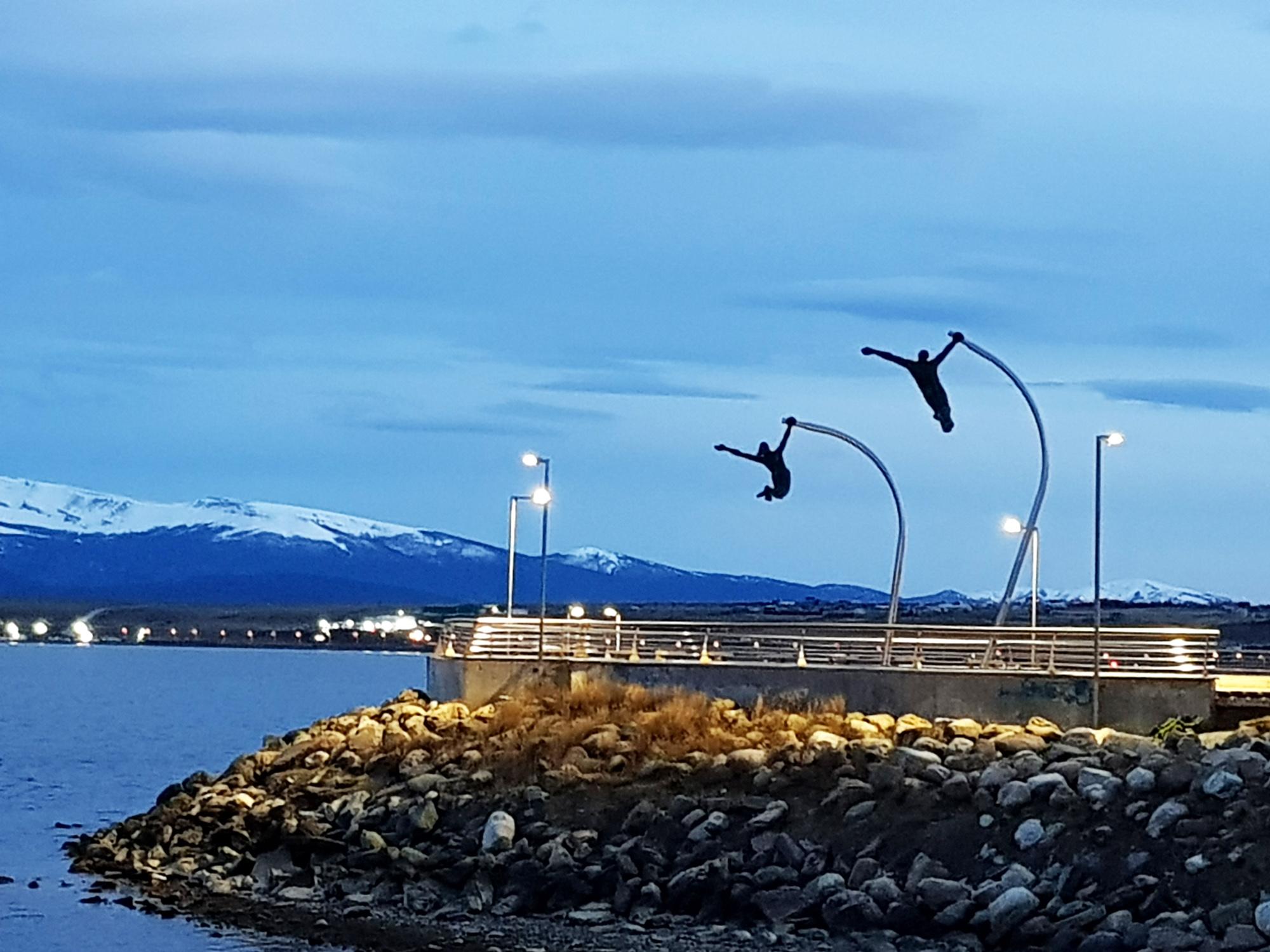 'Morgensport' auf der Uferpromenade in Puerto Natales