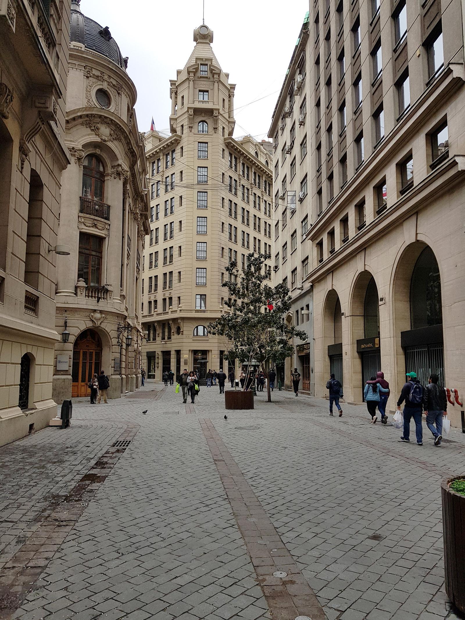 Santiago de Chile: Blick auf das Börsengebäude im Zentrum der Stadt